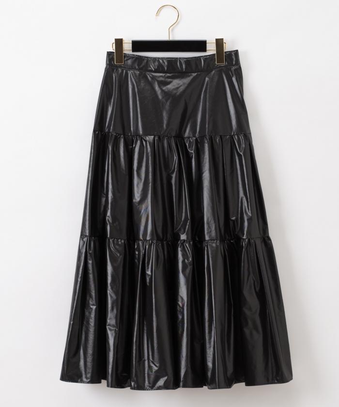 芸能人が発見!ひらめきマネー そんな仕事あったんだで着用した衣装スカート、カットソー
