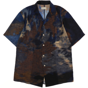 芸能人がドコモのCMで着用した衣装シャツ