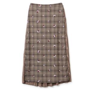 芸能人が世界一受けたい授業で着用した衣装スカート、アウター
