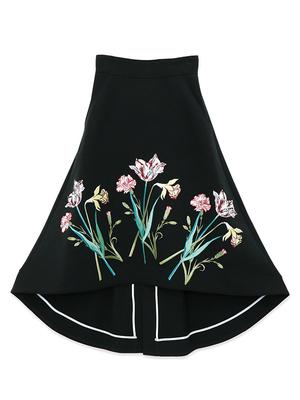 芸能人が春の祭典2020で着用した衣装スカート