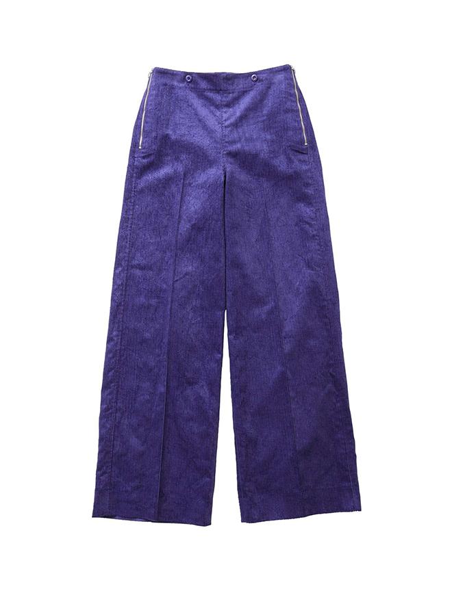 芸能人がメレンゲの気持ちで着用した衣装パンツ、ニット