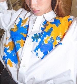 芸能人が王様のブランチで着用した衣装シャツ