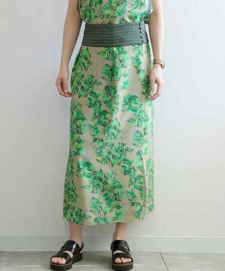 芸能人がLive News it!で着用した衣装スカート