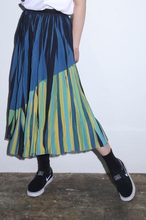芸能人がMUSIC FAIRで着用した衣装スカート