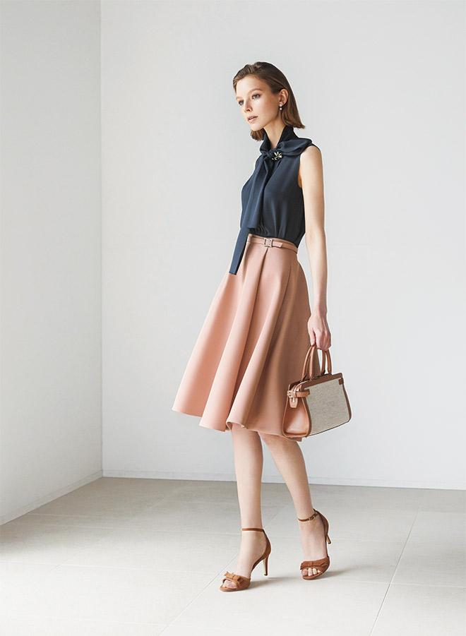 芸能人がFNN Live News αで着用した衣装スカート