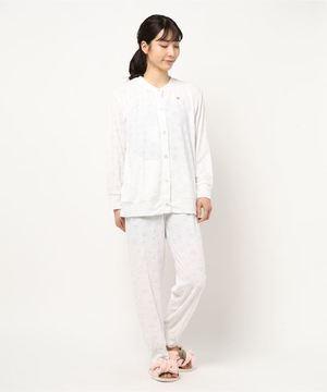 芸能人が隕石家族で着用した衣装パジャマ
