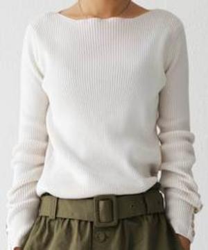 芸能人が古賀成美ファースト写真集「こがびより」で着用した衣装ニット/セーター