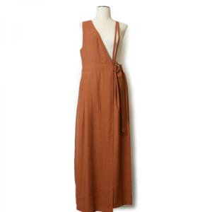 芸能人がSALUS all in one -StayHome edition-で着用した衣装スカート