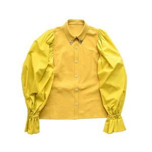 芸能人がInstagramで着用した衣装トップス/スカート