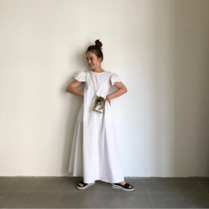 芸能人がLIVE news αで着用した衣装ワンピース