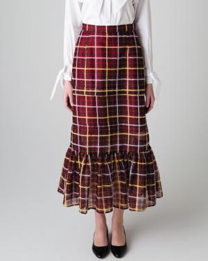 芸能人が王様のブランチで着用した衣装スカート、シューズ
