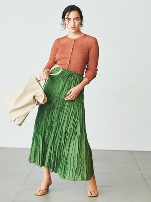 芸能人が雑誌 InRedで着用した衣装スカート