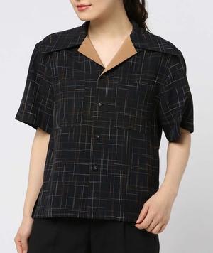 芸能人がメレンゲの気持ちで着用した衣装シャツ、パンツ