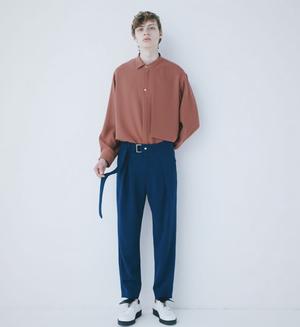 芸能人がBUZZ RHYTHMで着用した衣装シャツ