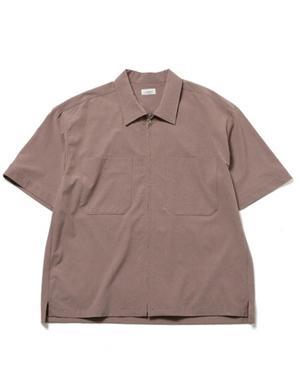 芸能人がクイズ!THE違和感で着用した衣装シャツ、カットソー