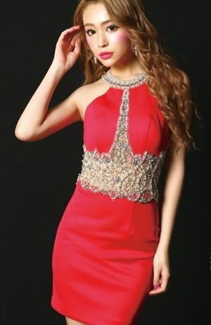 芸能人がM 愛すべき人がいてで着用した衣装ドレス