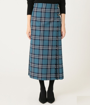芸能人がハケンの品格で着用した衣装スカート