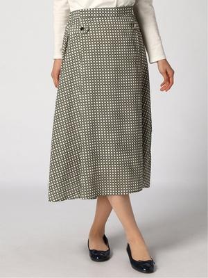 芸能人が私の家政夫ナギサさんで着用した衣装スカート