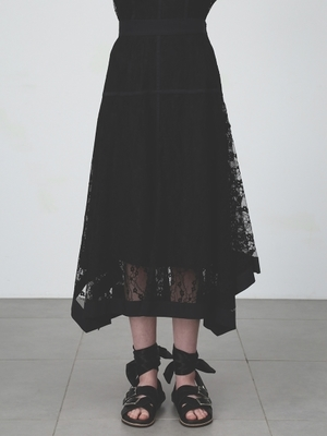 芸能人がひかくてきファンです!で着用した衣装スカート、ブラウス