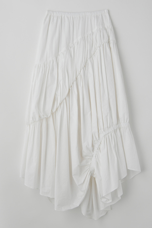 芸能人が王様のブランチで着用した衣装スカート、カットソー