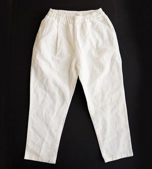 芸能人がメレンゲの気持ちで着用した衣装パンツ