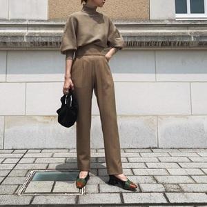 芸能人がInstagramで着用した衣装セットアップ・スーツ