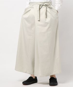 芸能人が妖怪シェアハウスで着用した衣装パンツ