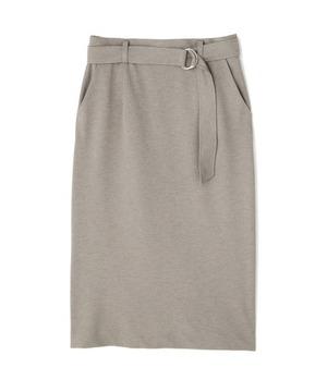 芸能人がスッキリで着用した衣装スカート、カットソー