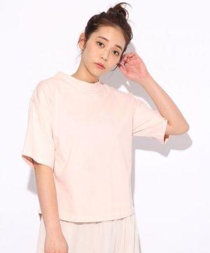 芸能人が取材で着用した衣装Tシャツ・カットソー/ストール・マフラー/パンツ