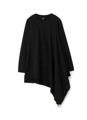 芸能人鳴海理沙・文字フェチ刑事が未解決の女 警視庁文書捜査官で着用した衣装カットソー