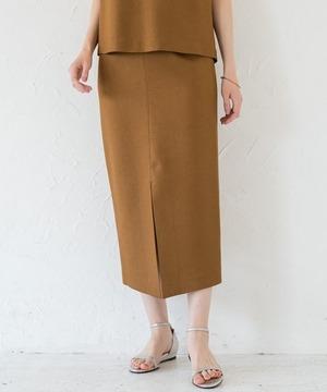 芸能人がスッキリで着用した衣装スカート、ブラウス