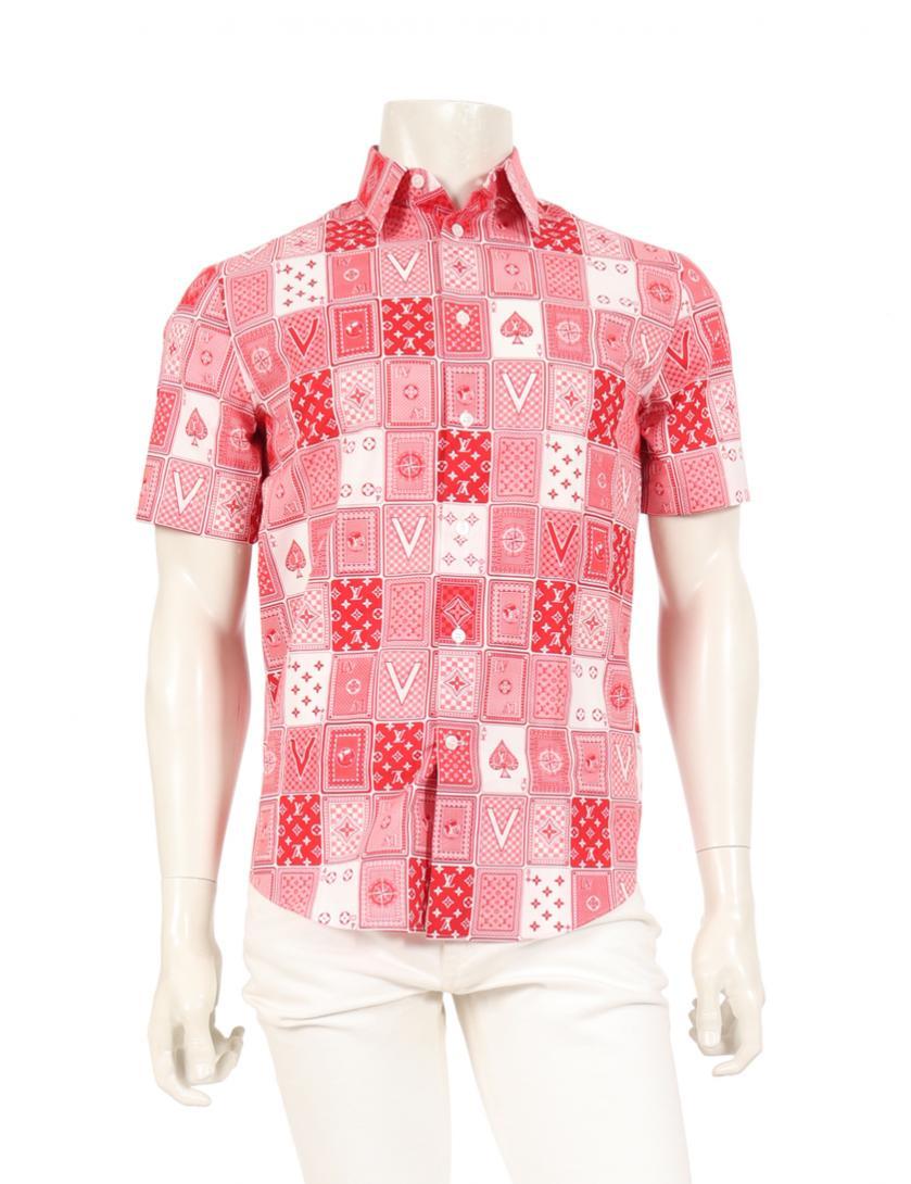 芸能人がYouTubeで着用した衣装シャツ / ブラウス