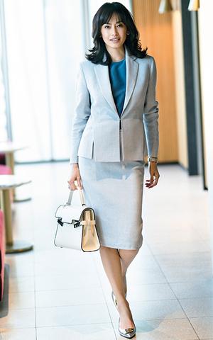 芸能人がSUITS/スーツ2で着用した衣装スーツ