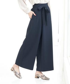 芸能人が銀座黒猫物語で着用した衣装スカート
