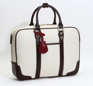 芸能人がDIVER-特殊潜入班-で着用した衣装ビジネスバッグ