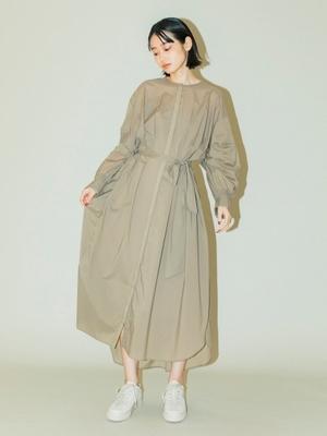 芸能人が雑誌 STORYで着用した衣装ワンピース