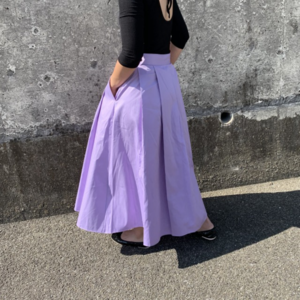 芸能人があのコの夢を見たんです。で着用した衣装スカート