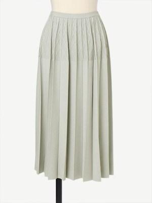 芸能人がSUITS/スーツ2で着用した衣装スカート
