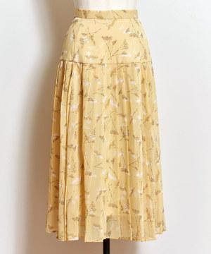 芸能人がルパンの娘で着用した衣装スカート