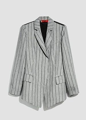 芸能人が七人の秘書で着用した衣装ジャケット