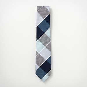 芸能人が恋する母たちで着用した衣装ネクタイ