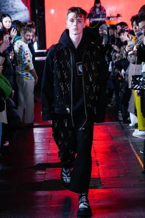 芸能人がVS嵐で着用した衣装セットアップ・スーツ