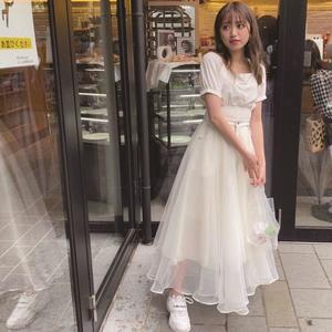芸能人が櫻井・有吉THE夜会で着用した衣装スカート、ブラウス