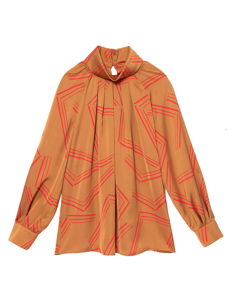 芸能人がウワサのお客様で着用した衣装ブラウス、パンツ、シューズ、ジュエリー
