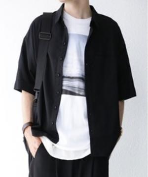 芸能人が共演NGで着用した衣装シャツ/ブラウス