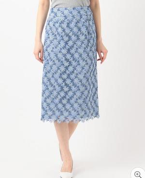 芸能人が恋する母たちで着用した衣装スカート