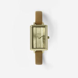 芸能人が先生を消す方程式。で着用した衣装腕時計