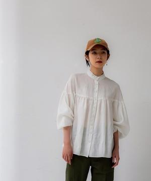 芸能人がメレンゲの気持ちで着用した衣装ブラウス、スカート、ニット