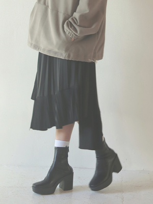 芸能人がしゃべくり007で着用した衣装スカート