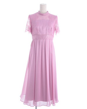芸能人が35歳の少女で着用した衣装ドレス